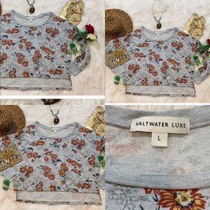 Saltwater luxe daisy cropped sweatshirt. Sz L